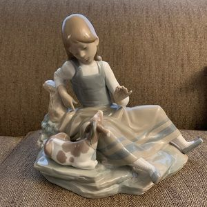 Lladro 4756 Gloss Girl with Goat Large
